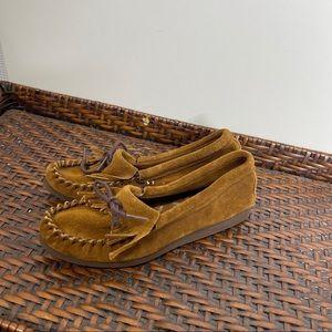 Minnetonka Brown Leather Moccasins size 6